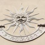 Sonnenuhr am Schlosshotel Ralswiek