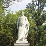Fürst Malte zu Putbus im Schlosspark...
